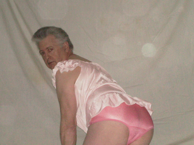 PICT0397_2-Panty_Buns-male_models-pink-nylon-panties.JPG